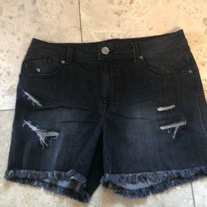 1822 black denim shorts